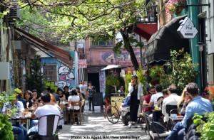 Seminerde Karaköy'ün dönüşümü de anlatıldı. (Fotoğraf: Sıla Ağgül)
